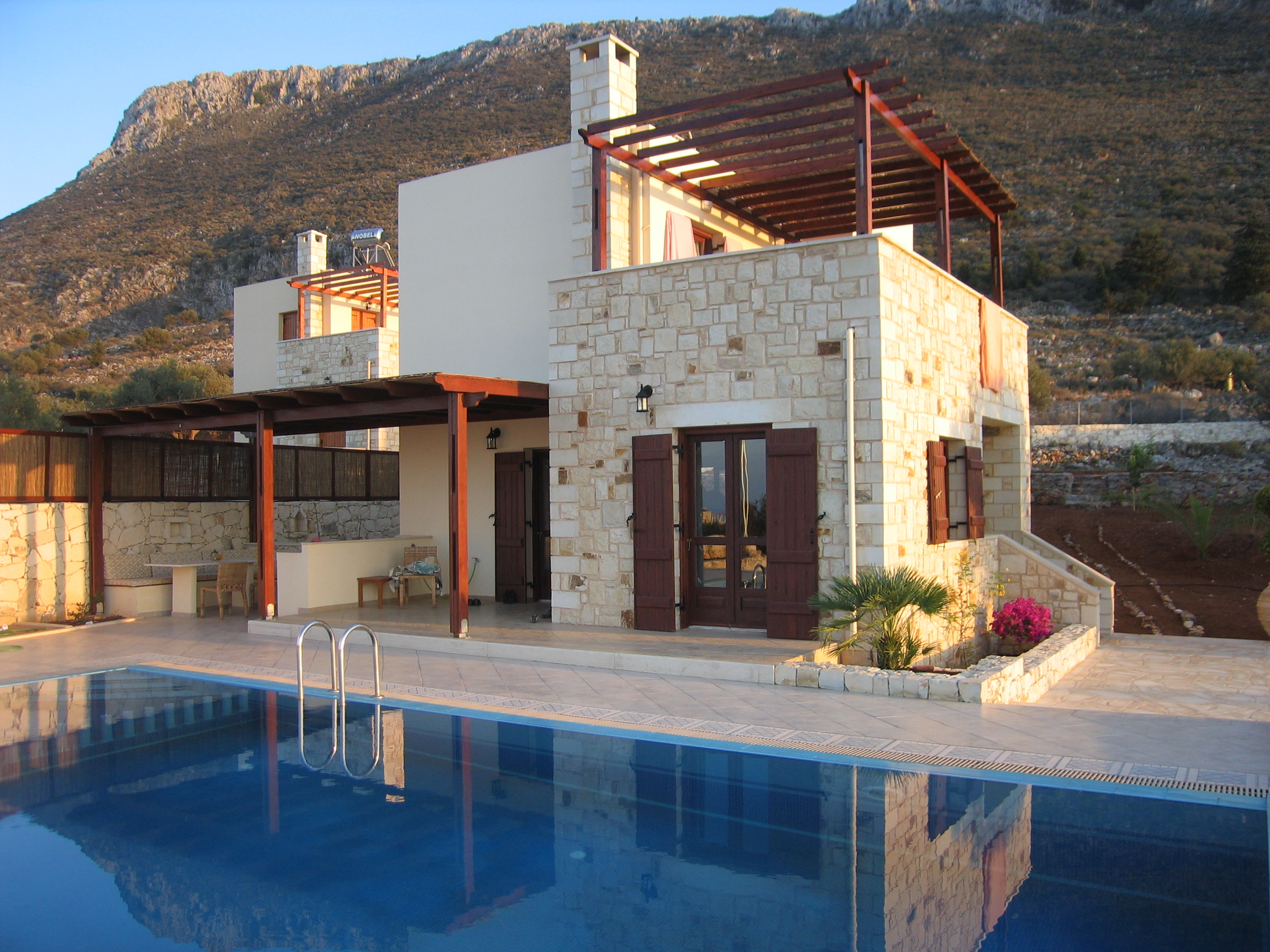 Traditional Greek Houses building styles | traditional | cretan homes | stone villas